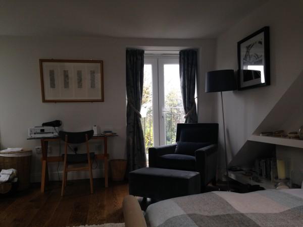 Phi bedroom (2)