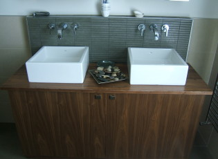 Bathroom unit (3)